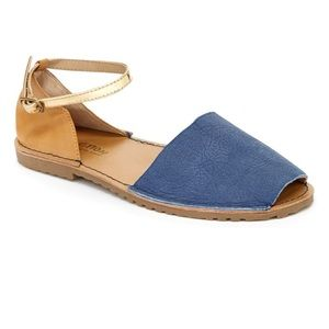 Kenneth Cole away day sandals leather blue tan